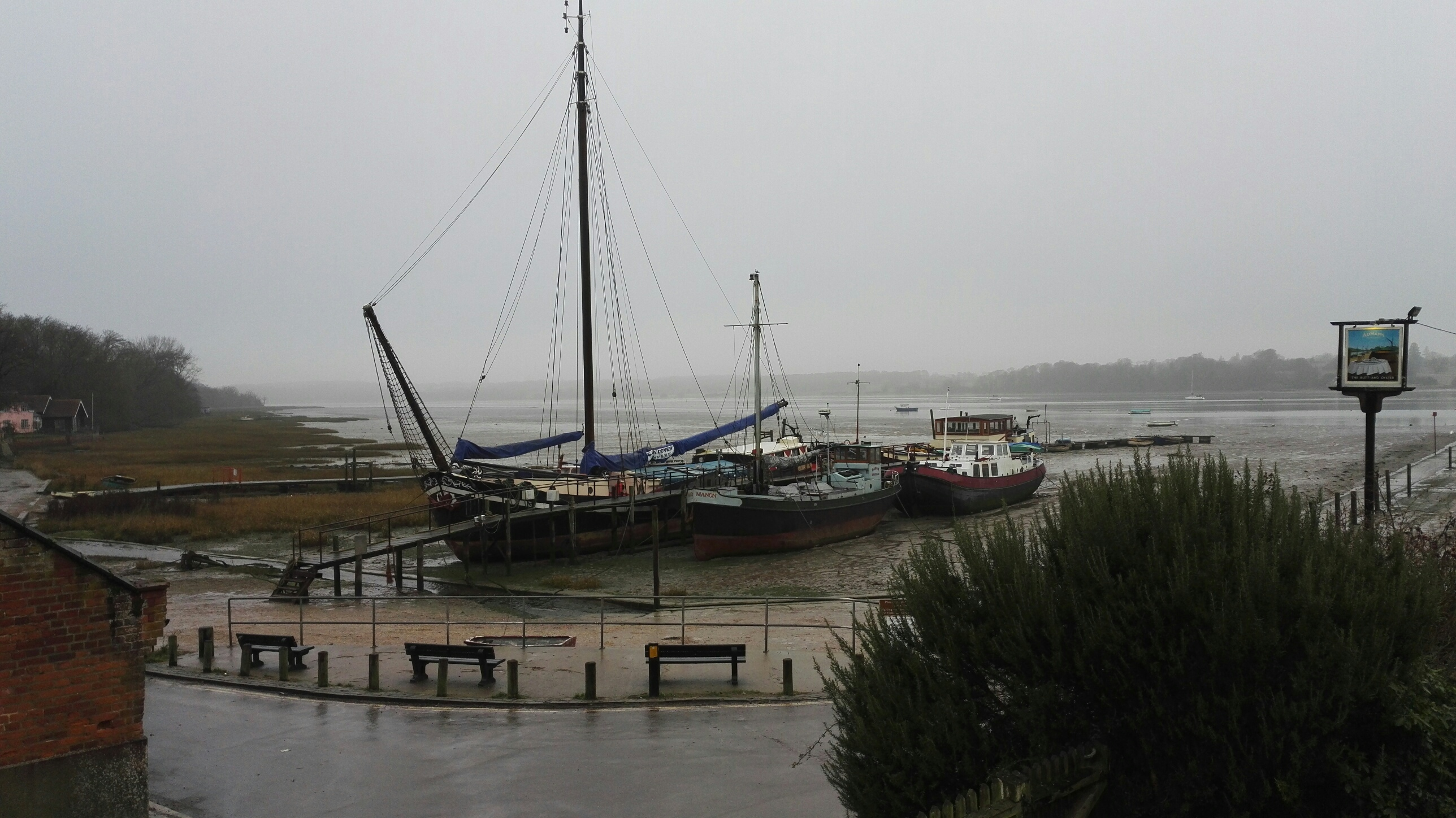 Boat, Barges, Oysters, Pub, Food, Suffolk