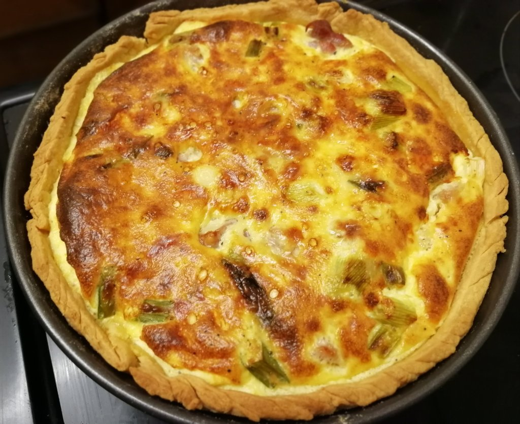 Quiche, cheese, bacon,shortcrust, baking